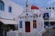 mykonos-town-church