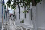 mykonos-town-street1